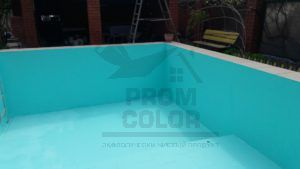 Бассейн после окраски